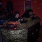 Meiling und Mr. Zhu erschießen Japaner..